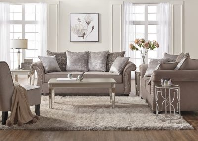 7500 Hughes Livingroom